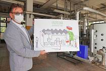 Pilotní projekt moderní kotelny s fotovoltaikou dokončili v brněnské Slatině. Teplárny Brno připravují solární panely na střechách dalších kotelen a stanic, zelená energie nakonec může zásobovat až 119 zdrojů městské společnosti.