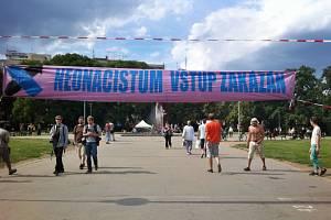 Páteční demonstrace uskupení Brno blokuje a příznicvů Dělnické mládeže.