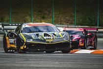 Evropský šampionát Ferrari Challenge na Masarykově okruhu v Brně. 30. května 2021 v Brně. Niccolo Shiro, Michelle Gatting.