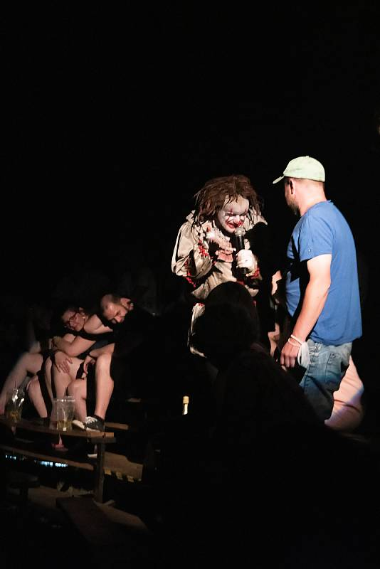 Představení Ohana horor cirku lze vidět v brněnském Komárově do neděle 27. června.
