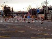V pondělí začala uzavírka Dornychu kvůli přeložce tramvajové trati do Plotní ulice.