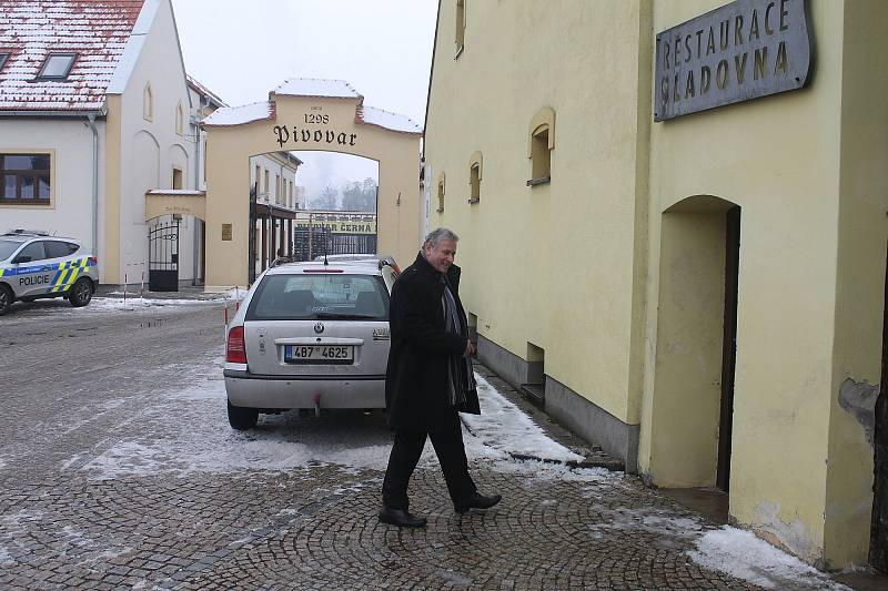 Prezident Miloš Zeman při své návštěvě Jihomoravského kraje přijel v pondělí také na Blanensko. Poobědval v černohorském hotelu Sladovna a navštívil dvě firmy.
