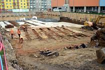 Při zářijovém výzkumu našli archeologové v Botanické ulici pozůstatky cihlářské pece.