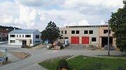 V Březině u Křtin na Brněnsku opravují hasičku. Bude v ní školící středisko i zázemí pro dobrovolné hasiče.