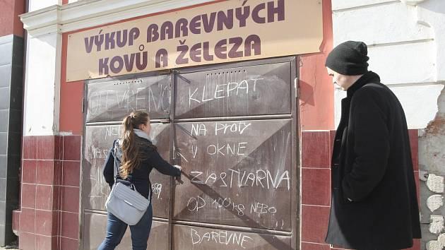 Redaktoři Deníku Rovnost zkusili ve třinácti provozovnách na jižní Moravě prodat kov za hotovost. Nepochodili v žádné výkupně.