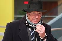 Třiašedesátiletý Brit Albert Thomas Vickery u brněnského městského soudu.