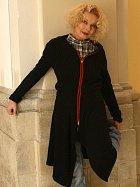 Herečka Vilma Cibulková vystupuje v představení Origami.