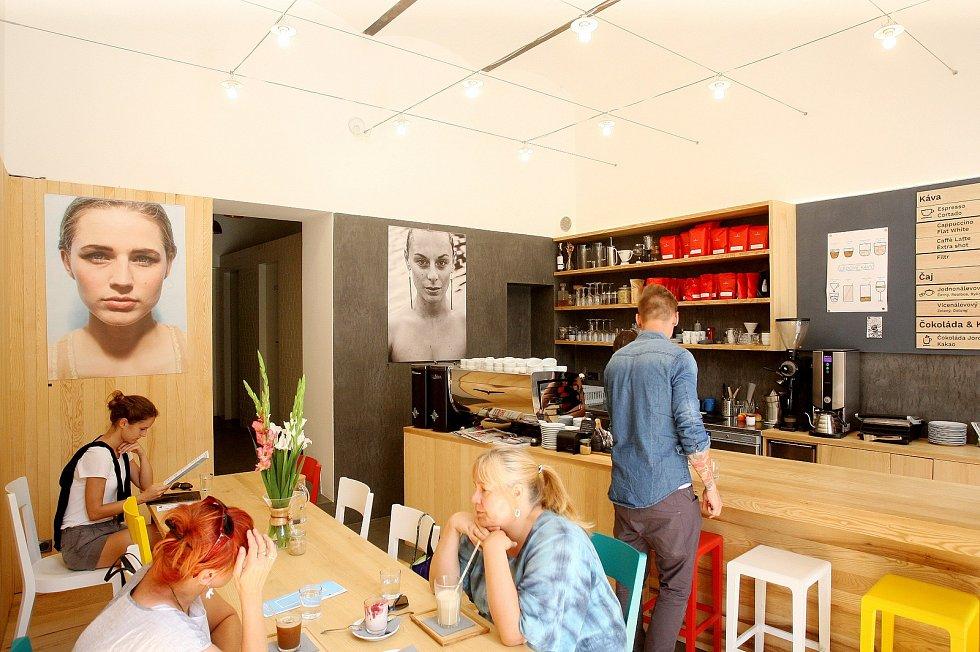 Kavárna Monogram.