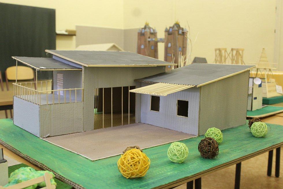 Vyhlášení úspěšných projektů soutěže Architektem a stavařem nanečisto na brněnské Střední průmyslové škole stavební v Kudelově ulici, do které se mohli přihlásit žáci devátých tříd.
