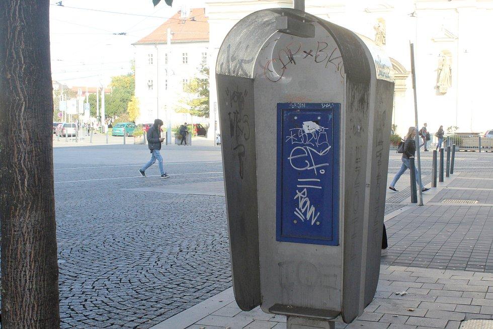 Telefonní budka v Brně.