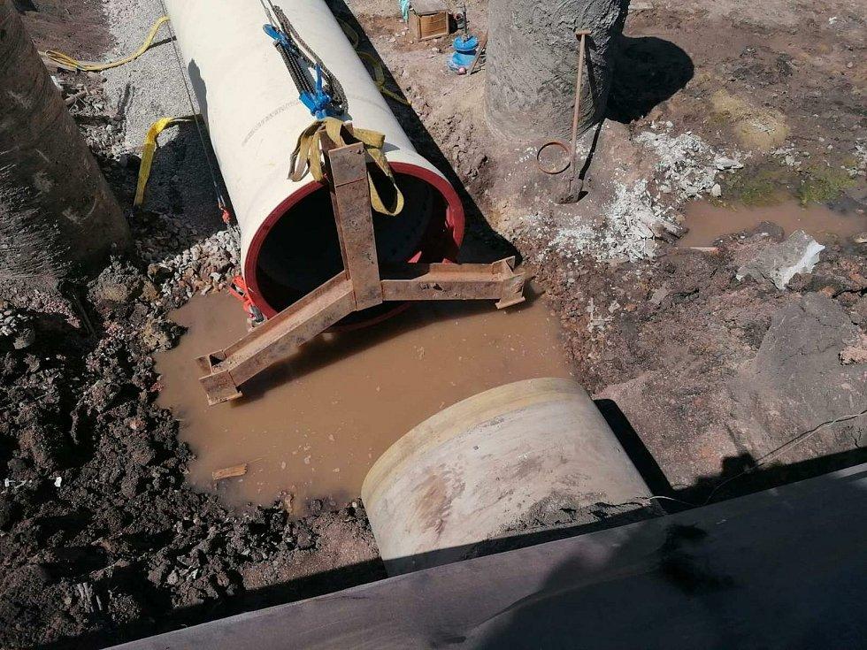 První etapa opravy Vírského oblastního vodovodu u Drásova je hotová. S druhou chtějí začít ještě letos.