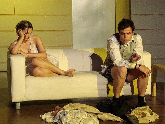 Soubor uvádí hry s komediálních nádechem a vážným sdělením.