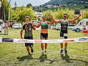 PálavaRace. Na snímku vítězná štafeta Ekol Teamu, uprostřed Filip Ospalý.