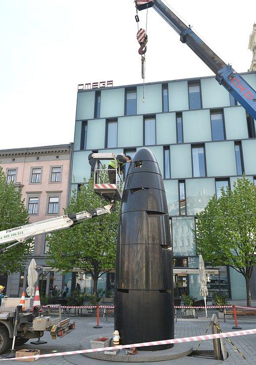 Oprava porouchaného brněnského orloje na náměstí Svobody, 4. května 2021.