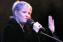 Chantal Poullain při koncertě v Redutě