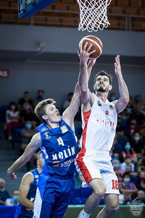 Poslední utkání odehrál Basket Brno (v bílém Viktor Půlpán) proti Kolínu v pátek 11. září.