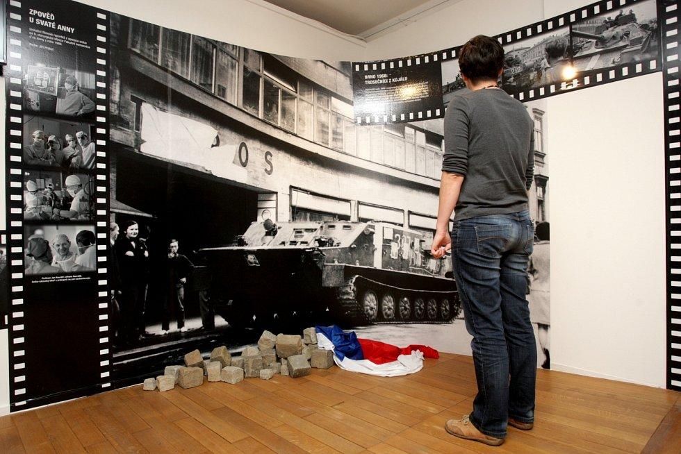 Finální přípravy k výstavě nazvané Vysílá studio Brno vrcholí v těchto dnech v prostoru jižního křídla Hradu Špilberk. Česká televize zde ve spolupráci s Muzeem města Brna připravuje expozici, která návštěvníkům připomene 55. výroční brněnského studia.