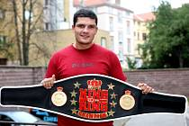 Český thajboxerský šampion Tomáš Hron