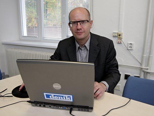 Bohuslav Sobotka v redakci Brněnského deníku Rovnost.