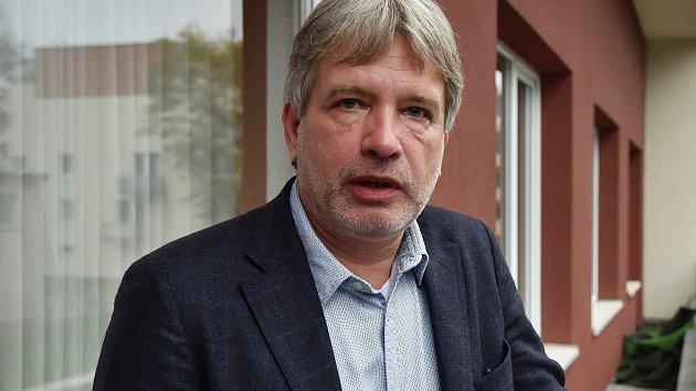 Bývalý brněnský primátor Roman Onderka byl jedním z prvních, kdo vedení ČSSD v médiích vyzval k odstoupení.