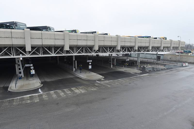 Stavba nové odbavovací haly autobusového nádraží Zvonařka.