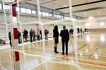 Zahrát si basketbal, volejbal či jiné míčové sporty mohou lidé z Tuřan v nové sportovní hale. V pondělí byla nově dokončená hala za téměř padesát milionů slavnostně otevřena.