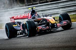 Rakouský pilot Ingo Gerstl v Brně v monopostu Toro Rosso opanoval oba závody, k vlastnímu traťovému rekordu se ani nepřiblížil.