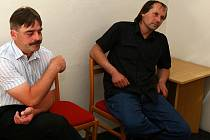 Pavel Bačovský a Petr Kalas u brněnského soudu.