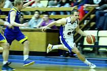 Brněnští basketbalisté JBC v utkání s Litoměřicemi.