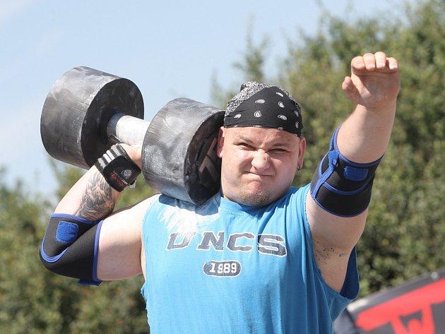 Dvě desítky amatérských siláků se zůčastnily závodu Strongman Brno
