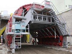Pokračující stavba tunelů Dobrovského.