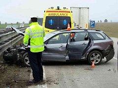 Nehoda osobního auta a dodávky na dálnici D1 u Rohlenky.