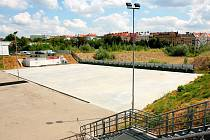 Pohled na místo bývalého hokejového stadionu za Lužánkami, kde má vyrůst nová hala.