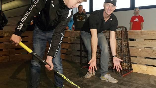 Například setkání s hokejovou legendou Dominikem Haškem (na snímnku vpravo) nabídne od pátku po celý víkend festival sportu, tance a zábavy Life na brněnském výstavišti.