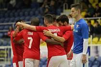 V prvním utkání čtvrtfinálové série porazily Teplice brněnský Helas (v modrém) 6:4.