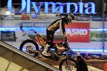 Olympia supermoto night show. Ilustrační foto.