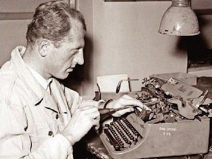 Hokejista Rudolf Scheuer si v běžném životě vydělával jako mechanik.