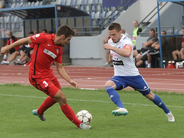 Už za šestnáct minut přípravného utkání vedlo domácí Znojmo v derby nad Zbrojovkou o tři branky. Takové vedení už lídr druhé nejvyšší soutěže nepustil a zvítězil 4:2.