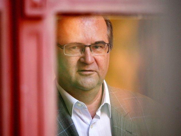 Profesor filosofie Břetislav Horyna u Krajského soudu v Brně.