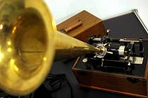 Výstava představí vývoj fonografů a fonogramů.
