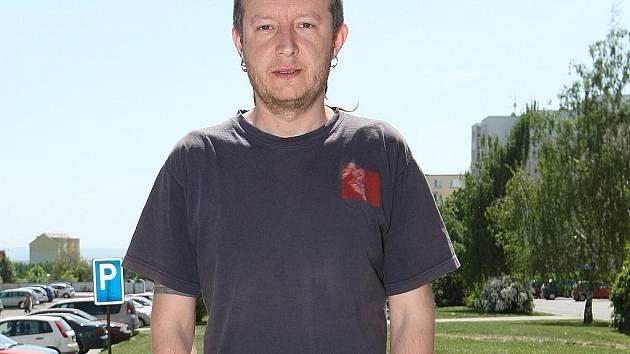 Problematickým mladým lidem se Martin Holiš věnuje dvanáct let. Nedávno díky tomu získal cenu Osobnost roku od České asociace streetwork.