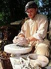 Platnéři vyrábějí hlavně pro šermíře.