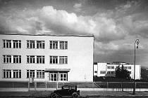 Historické fotografie brněnského Masarykova onkologického ústavu.