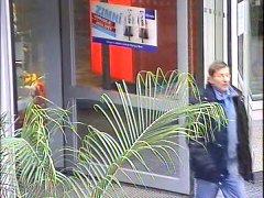 Neznámý muž, který podle policie přepadává u Olympie ženy.