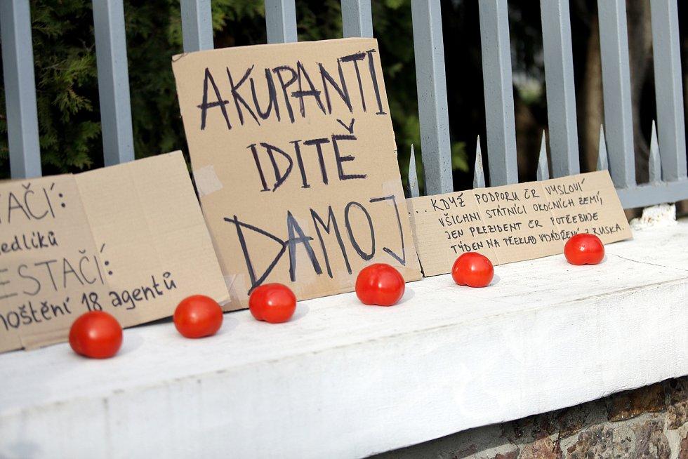 Aktivisté kolem Společně pro Brno protestují proti politice Ruské federace.