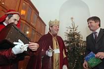Tři králové na návštěvě u brněnského primátora Romana Onderky.