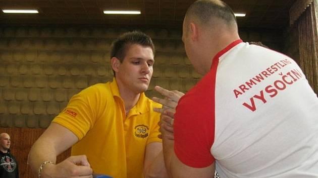 Mezinárodní soutěž v armwrestlingu Goelmova ruka.