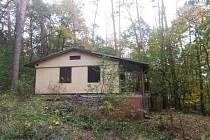 Vydražená rekreační chata Marcela u Brněnské přehrady.