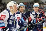 Hokejisté brněnské Komety porazili i ve čtvrtém utkání čtvrtfinálové série play-off extraligy Vítkovice, tentokrát 3:1.  Na snímku Krečík, Mallet a Nečas.