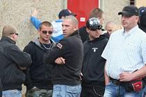 Protest neonacistů před vazební věznicí v Brně Bohunicích.